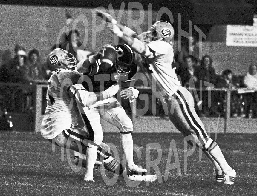 Ron Estay Edmonton Eskimos 1975. Copyright photograph Scott Grant