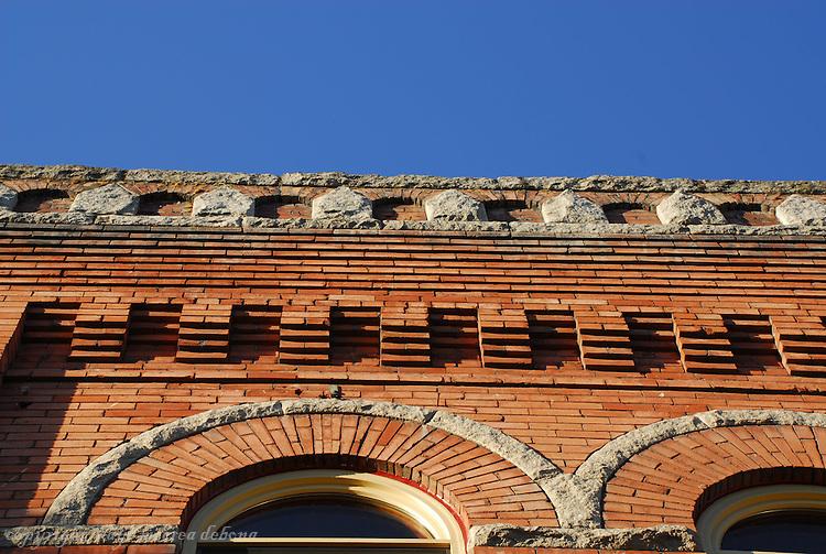 Architecture & Buildings