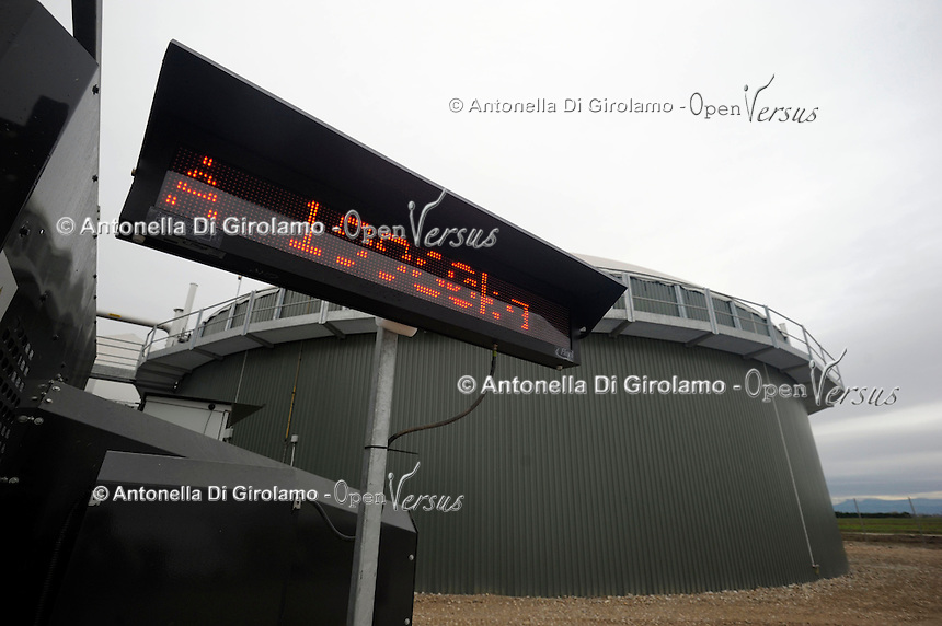 Azienda Agricola F.lli Ronca.Produzione di biogas dalla digestione anaerobica delle deiezioni animali. Produzione di energia elettrica da combustione del biogas.<br /> Farm Ronca family. Production of biogas from the anaerobic digestion of animal waste. Production of electricity from the combustion of biogas.