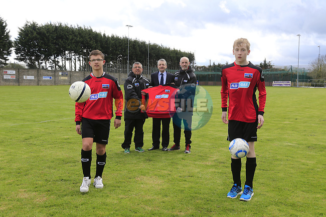 Eoin O'Flynn Marketing Manager Flogas (centre) with (L to R) Sean Caffrey, Richie Caffrey, Gary Doyle and Kian Matthews of Drogheda Town at the presentation of new jerseys from Flogas Ireland.<br /> Picture Fran Caffrey/Newsfile
