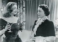 All About Eve (1950)<br /> Bette Davis &amp; Thelma Ritter<br /> *Filmstill - Editorial Use Only*<br /> CAP/KFS<br /> Image supplied by Capital Pictures
