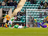 28th January 2020; Easter Road, Edinburgh, Scotland; Scottish Cup replay, Football, Hibernian versus Dundee United; Lawrence Shankland of Dundee United scores the opening goal to make it 0-1 for Dundee