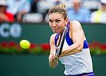 Simona Halep (ROU) defeats Carla Suarez Navarro (ESP) 57 61 61