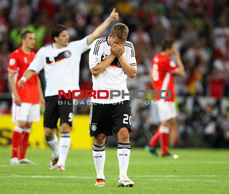 UEFA Euro 2008 Group B Klagenfurt - W&ouml;rthersee Match 04. <br /> Lukas Podolski ( Germany / Angreifer / Forward / Bayern Muenchen #20 ) (M) schl&auml;gt die H&auml;nde vor das Gesicht nach seinem Treffer zum 1:0 f&uuml;r Deutschland.<br /> Foto &copy; nph (  nordphoto  )