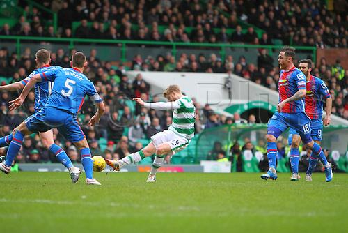 20.02.2016. Celtic Park, Glasgow, Scotland. Scottish Premier League. Celtic versus Inverness CT. Stuart Armstrong tests the goalkeeper from distance