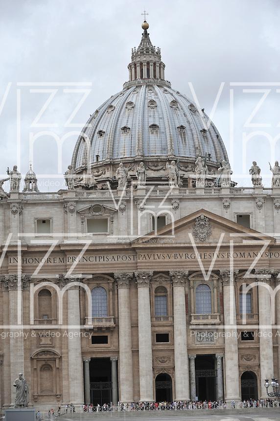 CIUDAD DEL VATICANO- 01-09-12. Basílica de San Pedro en La Ciudad del Vaticano, Italia, septiembre 01 2012. St. Peter Cathedral in Vatican City on September 01,2012.(Photo: VizzorImage/Luis Ramirez)........