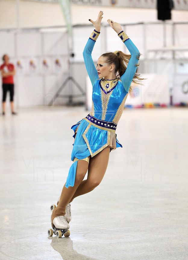 CALI – COLOMBIA – 21 – 09 – 2015: Marie Werner, deportistas de Alemania, durante la prueba de Solo Danza Juvenil Damas en el LX Campeonato Mundial de Patinaje Artistico, en el Velodromo Alcides Nieto Patiño de la ciudad de Cali. / Marie Werner, sportwoman from Germany, during the Compulsory Solo Dance Junior Ladies test, in the LX World Championships Figure Skating, at the Alcides Nieto Patiño Velodrome in Cali City. Photo: VizzorImage / Luis Ramirez / Staff.