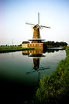 Netherlands: Dutch, windmill at Bleskensgroaf.  Photo: duches105.Photo copyright Lee Foster, 510/549-2202, lee@fostertravel.com, www.fostertravel.com