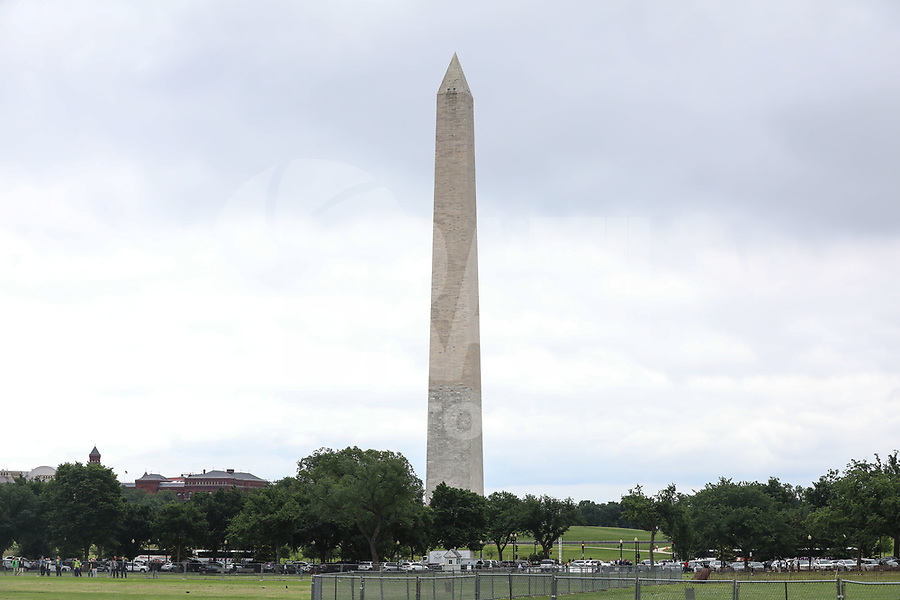 WASHINGTON, DC, 24.05.2017 - TURISMO-USA - Vista do Monumento a Washington ou Monumento de Washington é um obelisco localizado no centro do Constitution Gardens, em Washington, D.C., Estados Unidos. Foi construído como um memorial a George Washington, entre 1848 a 1885(Foto: Vanessa Carvalho/Brazil Photo Press)