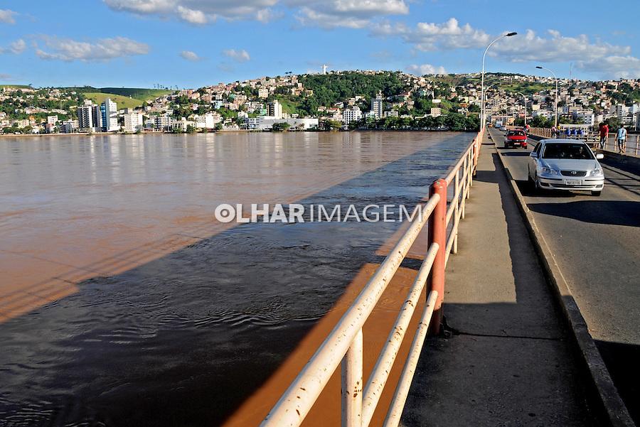 Ponte sobre o rio Doce em Colatina. Espírito Santo. 2009. Foto de Zig Koch.