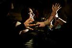 Los empalaos hacen su via-crucis individualmente, saliendo de un sitio secreto. En el curso del mismo tienen que arrodillarse a orar ante cada cruz del recorrido y ante cada penitente que encuentra a su paso. Este rito requiere de gran habilidad para poner las cuerdas alrededor del cuerpo, pero finalmente las llagas y hematomas producidas por el roce del timon y las sogas son inevitables..Valverde de la Vera, Caceres. Spain. 21 de Abril de 2011.