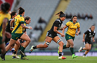 Charmaine Smith on attack during the international women's rugby match between the New Zealand Black Ferns and Australia Wallaroos at Eden Park in Auckland, New Zealand on Saturday 25 August 2018. Photo: Simon Watts / lintottphoto.co.nz