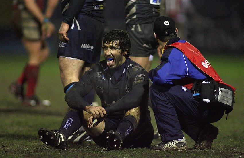 Photo: Paul Thomas..Sale Sharks v Gloucester Rugby. Guinness Premiership. 06/01/2007...Juan Fernandez Lobbe of Sale.