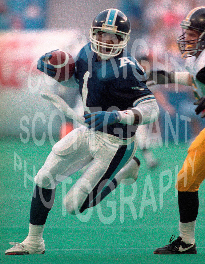 Darrell K SmithToronto Argonauts 1991 Copyright photograph Scott Grant