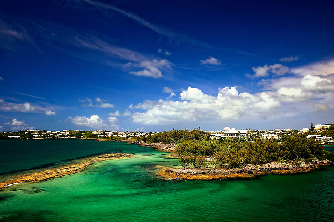 The aqua waters and blue sky of Hamilton, Bermuda
