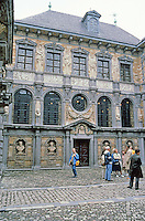 Antwerp: Rubens House--facade of studio facing inner court. Portico just visible to left. In lower niches, busts of Satyr, Faun, Pan & Sinenus; between windows are Plato, Socrates, Seneca & Sophocles, & Marcus Aurelius, and higher up, Mars, Jupiter, Jono & Vesta. Photo '87.