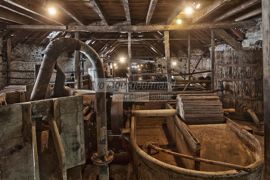Europe/France/Aquitaine/24/Dordogne/Payzac: Papeteries de Vaux - Ecomusée Européen du papier de paille-   La production de la papeterie de Vaux consistait en la fabrication de papier de paille de seigle, principalement utilisé dans l'alimentation et l'emballage.