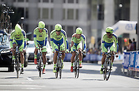 unlucky Team Tinkoff-Saxo slowly pedals towards the finish after 2 teammates crashed heavily along the way and the team was forced to abandon the fight<br /> <br /> Elite Men&rsquo;s Team Time Trial<br /> UCI Road World Championships Richmond 2015 / USA