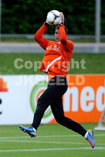 LAUSANNE - Trainingskamp Nederlands Elftal in Zwitserland in het Stade Juan-Antonio Samaranch, voorbereiding EK 2012, 20-05-2012, Maarten Stekelenburg