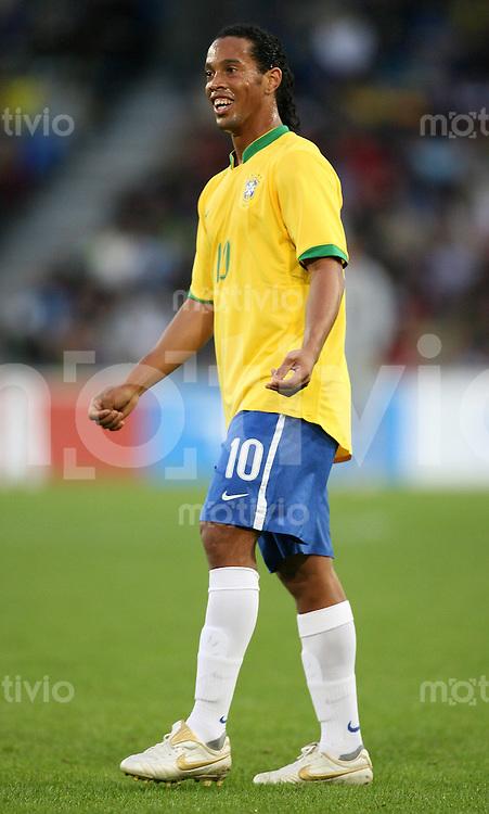 Fussball  International WM2006  Testspiel Brasilien - Auswahl FC Luzern Ronaldinho freut sich