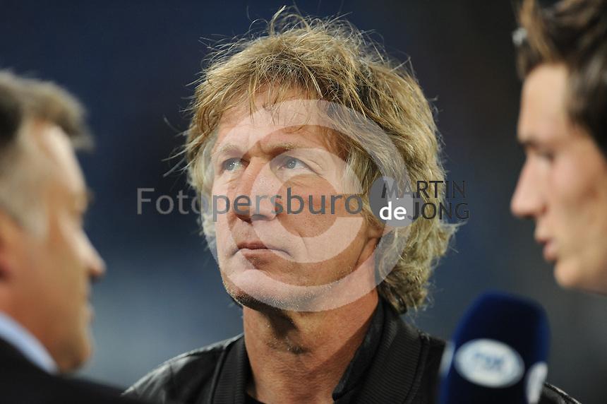 VOETBAL: HEERENVEEN: Abe Lenstra stadion 23-08-2014, SC Heerenveen - Excelsior uitslag 2 - 0, Gert Jan Verbeek bij FOX tv, ©foto Martin de Jong