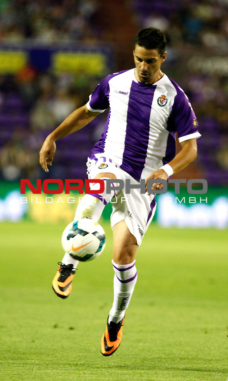 Real Valladolid¬¥s Oscar during La Liga match.August 31,2013. Foto © nph / Victor Blanco)