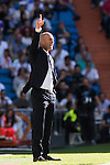 Coach Zinedine Zidane of Real Madrid signals during their La Liga match between Real Madrid CF and SD Eibar at the Santiago Bernabéu Stadium on 02 October 2016 in Madrid, Spain. Photo by Diego Gonzalez Souto / Power Sport Images