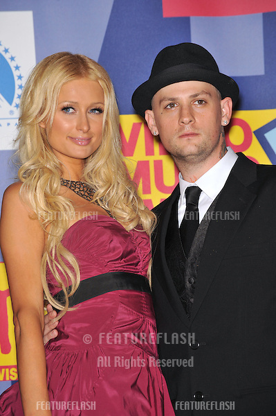 Paris Hilton & boyfriend Benji Madden at the 2008 MTV Video Music Awards at Paramount Studios, Hollywood..September 7, 2008  Los Angeles, CA.Picture: Paul Smith / Featureflash