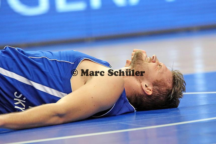 Danilo Barthel (Skyliners) wurde gefoult und hat Schmerzen - Fraport Skyliners vs. Rasta Vechta, Fraport Arena Frankfurt