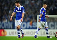 FUSSBALL   EUROPA LEAGUE   SAISON 2011/2012  ACHTELFINALE FC Schalke 04 - Twente Enschede                         15.03.2012 Klaas Jan Huntelaar (li) und Jermaine Jones (re, beide FC Schalke 04) sind enttaeuscht
