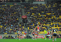 A general view of the action during the ANZAC Day AFL match between St Kilda Saints and Brisbane Lions at Westpac Stadium, Wellington, New Zealand on Friday, 25 April 2014. Photo: Dave Lintott / lintottphoto.co.nz