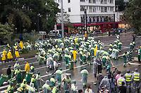 SAO PAULO, SP, 02 JUNHO 2013 - PARADA DO ORGULHO GLBT - Limpeza durante a 17 Parada do Orgulho LGBT na Avenida Paulista, na tarde deste domingo, 02. (FOTO: MARCELO BRAMMER / BRAZIL PHOTO PRESS).
