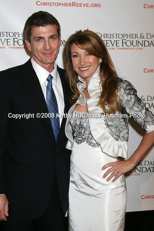 Joe Lando and Jane Seymour arriving at the 4th Annual Los Angeles Gala for the Christopher & Dana Reeve Foundation, at the Beverly Hilton Hotel, in Beverly Hills, CA.December 2, 2008.©2008 Kathy Hutchins / Hutchins Photo....