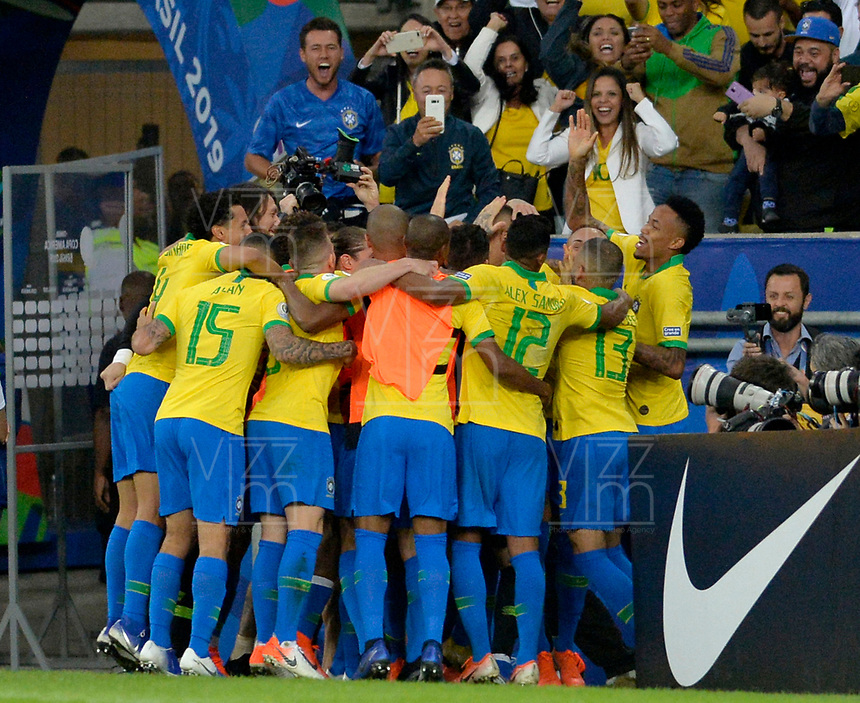 RIO DE JANEIRO – BRASIL, 7-07-2019: Jugadores de  Brasil celebran  al ganar La Copa América 209 ante Perú durante partido por la final de la Copa América Brasil 2019 entre Brasil y Perú jugado en el Maracá. /<br /> Brazilian players celebrate after  winning the Copa America 209 against Peru during the Copa America Brazil 2019  final match between Brasil and Peru played at Maracana stadium in Rio de Janeiro, Brazil. Photos: VizzorImage / Cristian Álvarez / Cont /