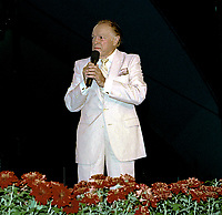 Winston-Salem, North Carolina, USA, May 31, 1991<br /> Bob Hope on stage at the annual Bill Crosby Clambake Golf Tournament at the Bermuda Run Country Club. Credit: Mark Reinstein/MediaPunch