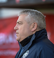 20160412 - LEUVEN ,  BELGIUM : Estonian coach Keith Robert Boanas  pictured during the female soccer game between the Belgian Red Flames and Estonia , the fifth game in the qualification for the European Championship in The Netherlands 2017  , Tuesday 12 th April 2016 at Stadion Den Dreef  in Leuven , Belgium. PHOTO SPORTPIX.BE / DIRK VUYLSTEKE