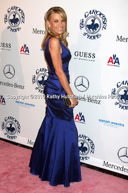 LOS ANGELES - OCT 23:  Vanna White arrives at the 2010 Carousel of Hope Ball at Beverly HIlton Hotel on October 23, 2010 in Beverly Hills, CA