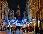 Kraków, 13-18.12.2019. Iluminacja bożonarodzeniowa na Starym Mieście w Krakowie. Ulica Floriańska.