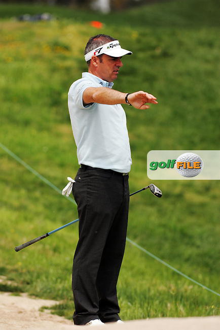 Paul Mcginley lines up his 2nd shot from the rough on the 15th hole in round 2 of the Open de Espana at Centro Nacional de Golf Madrid, Spain, European PGA Tour Saturday 28th April 2007.