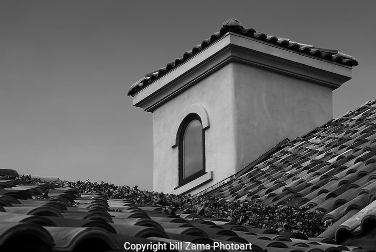 Tile rooftop in black & white at Grape Creek Winery.