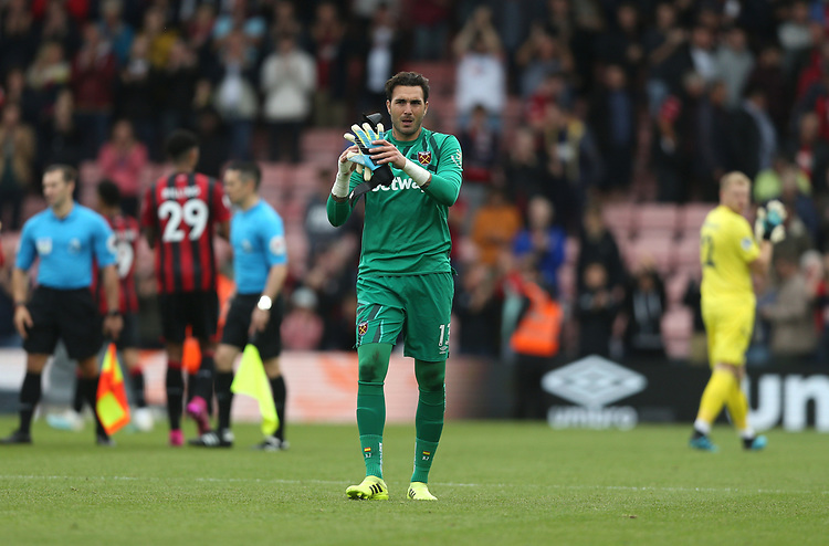 West Ham United's Roberto<br /> <br /> Photographer Rob Newell/CameraSport<br /> <br /> The Premier League - Bournemouth v West Ham United - Saturday 28th September 2019 - Vitality Stadium - Bournemouth<br /> <br /> World Copyright © 2019 CameraSport. All rights reserved. 43 Linden Ave. Countesthorpe. Leicester. England. LE8 5PG - Tel: +44 (0) 116 277 4147 - admin@camerasport.com - www.camerasport.com