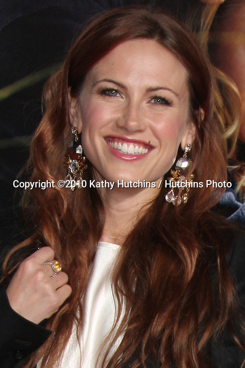 """Vail Bloom.arriving at the """"Dear John"""" Premiere.Grauman's Chinese Theater.Los Angeles, CA.February 1, 2010.©2010 Kathy Hutchins / Hutchins Photo...."""