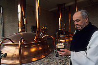 Europe/Belgique/Wallonie/Province de Hainaut/Env de Chimay : Abbaye de Scourmont - La brasserie Chimay - Le père Louis (brasseur) -Bière Trappiste
