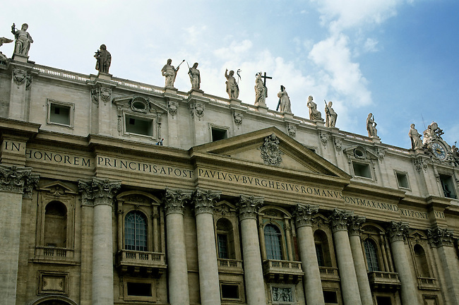 ITALY, ROME, VATICAN, ST. PETER'S SQUARE, ST. PETER'S BASILICA, DETAIL , K6