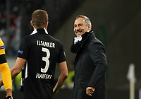 Trainer Adi Hütter (Eintracht Frankfurt) mit Stefan Ilsanker (Eintracht Frankfurt) freut sich - 20.02.2020: Eintracht Frankfurt vs. RB Salzburg, UEFA Europa League, Hinspiel Round of 32, Commerzbank Arena DISCLAIMER: DFL regulations prohibit any use of photographs as image sequences and/or quasi-video.