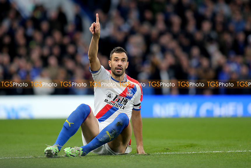 Luka Milvojevic of Crystal Palace appeals for a throw-in during Chelsea vs Crystal Palace, Premier League Football at Stamford Bridge on 4th November 2018