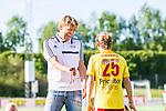 Tyres&ouml; 2014-05-25 Fotboll Damallsvenskan Tyres&ouml; FF - FC Roseng&aring;rd :  <br /> Tyres&ouml;s tr&auml;nare coach manager Tony Gustafsson &auml;r glad tillsammans med Meghan Klingenberg efter matchen<br /> (Foto: Kenta J&ouml;nsson) Nyckelord:  Damallsvenskan Tyres&ouml;vallen Tyres&ouml; TFF FC Roseng&aring;rd FCR Malm&ouml; portr&auml;tt portrait glad gl&auml;dje lycka leende ler le