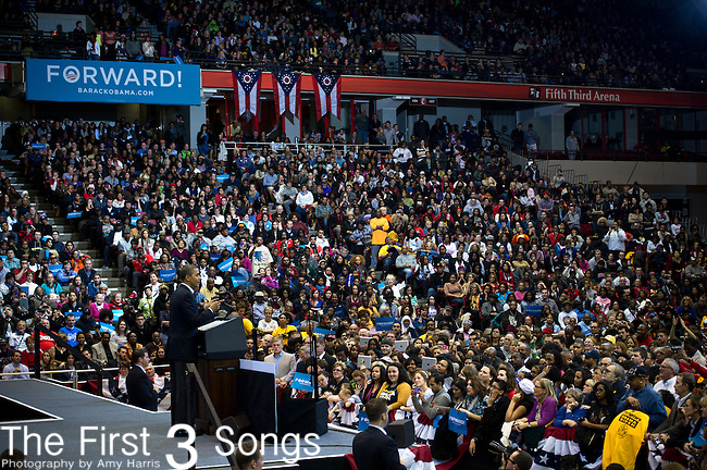 U.S. President Barack Obama addresses a campaign rally at Fifth Third Arena on the campus of the University of Cincinnati November 4, 2012 in Cincinnati, Ohio.