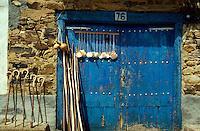 bei Astorga, Pilgerutensilien, León, Kastilien-Léon, Spanien.