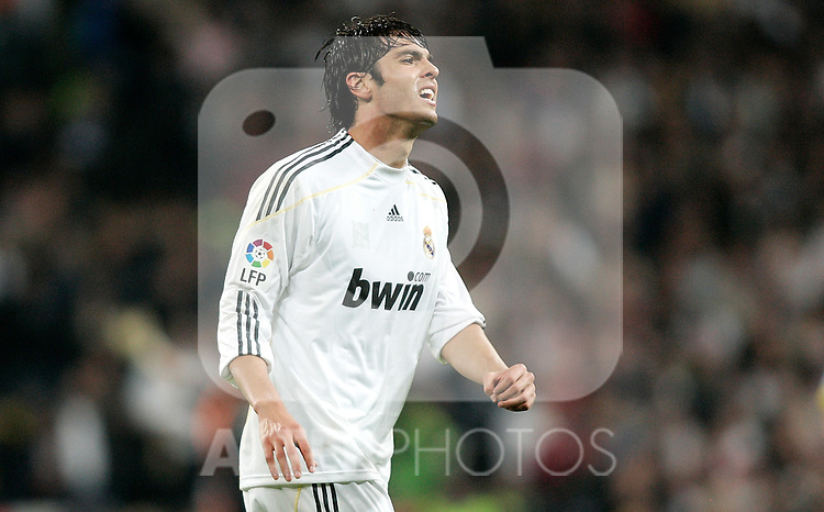 Real Madrid's Kaka dejected during King's Cup match against Alcorcon. November 10, 2009. (ALTERPHOTOS/Alvaro Hernandez).